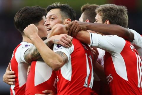 Arsenal produce a devastating first-half display in 3-0 win over Chelsea