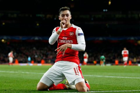Arsenal hit Ludogorets for six as Mesut Ozil fires in 2nd half hat-trick