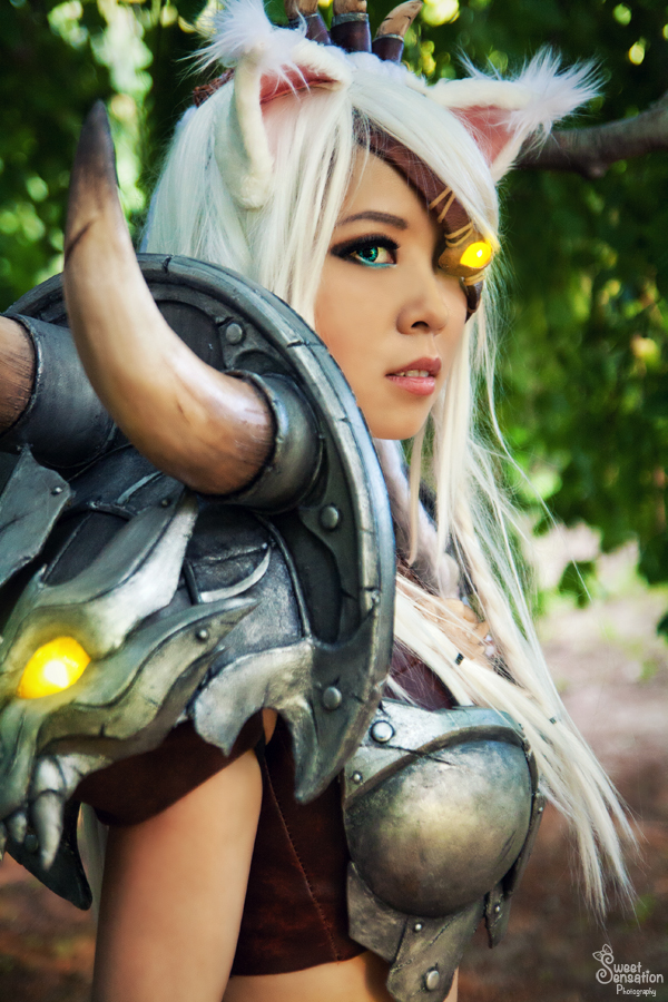L Wallpaper For Girls Rengar By Pizoobie League Of Legends Cosplay Art Of Lol