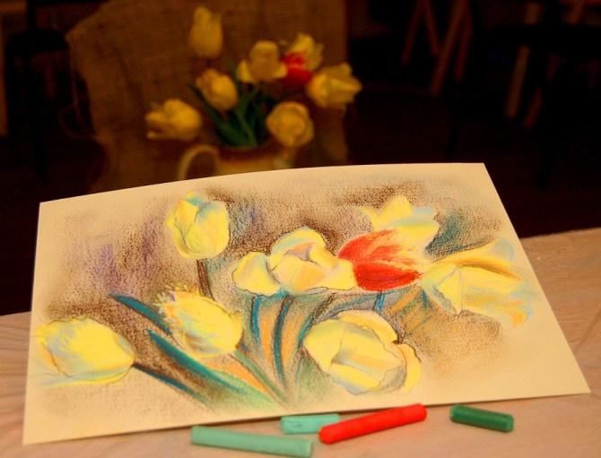 натюрморт с натуры пастелью тюльпаны