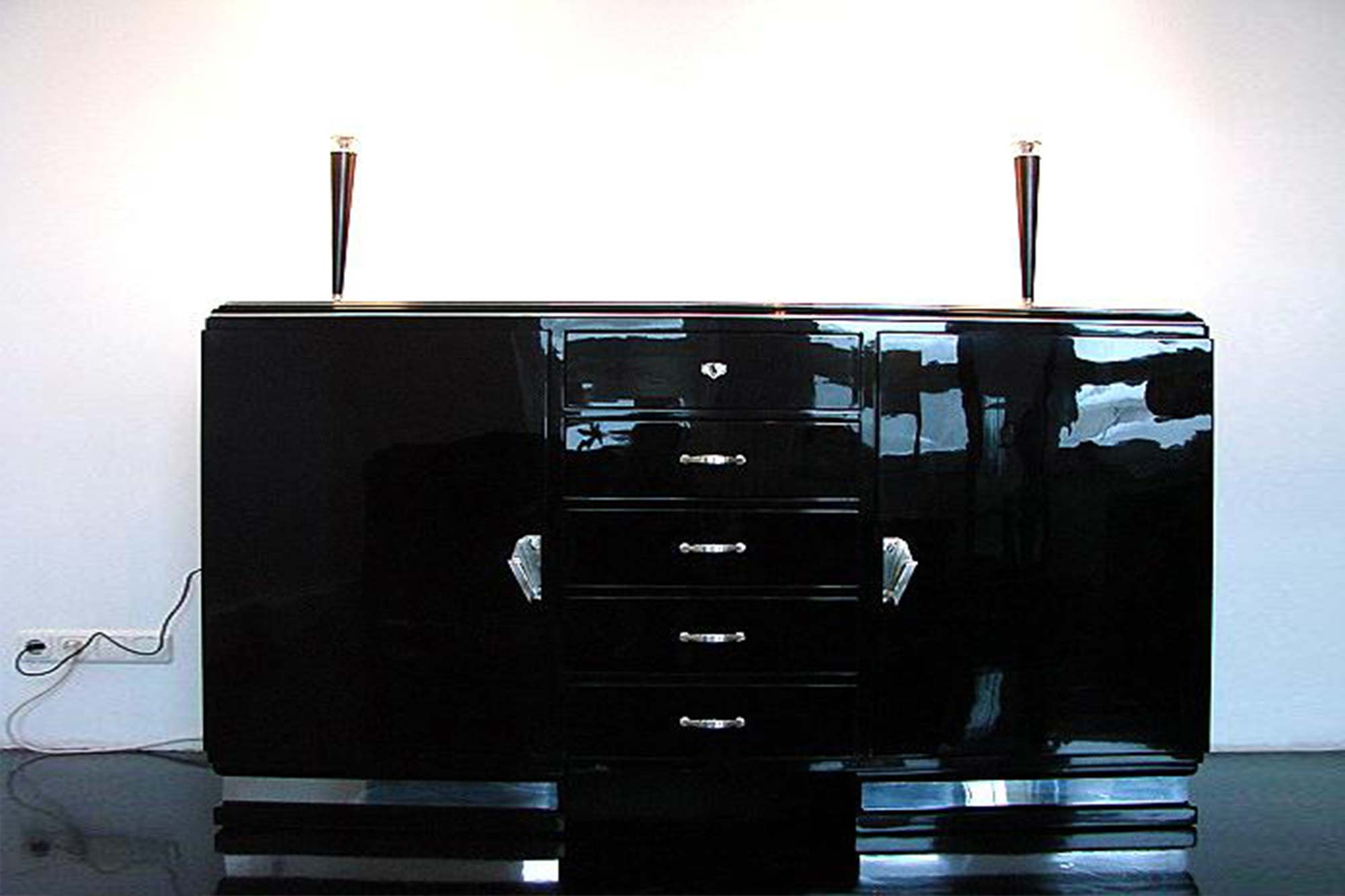 Schwarzes Sideboard Art Deco Sideboard Panthers Woods
