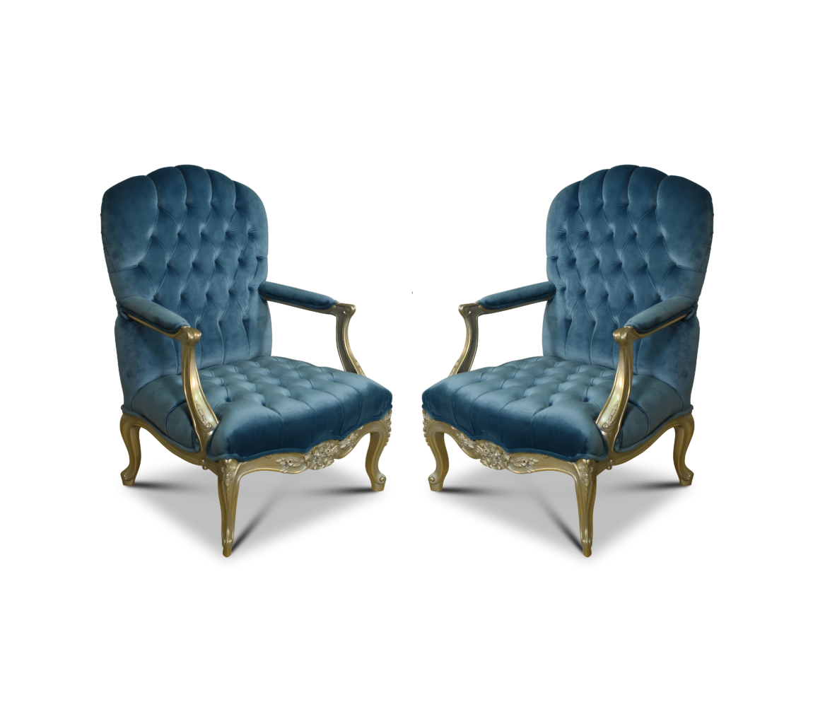 Commode Maya But Celsie à Crete French Style Gold Leaf Capitone Maya Blue Velvet Armchair Set Of 2