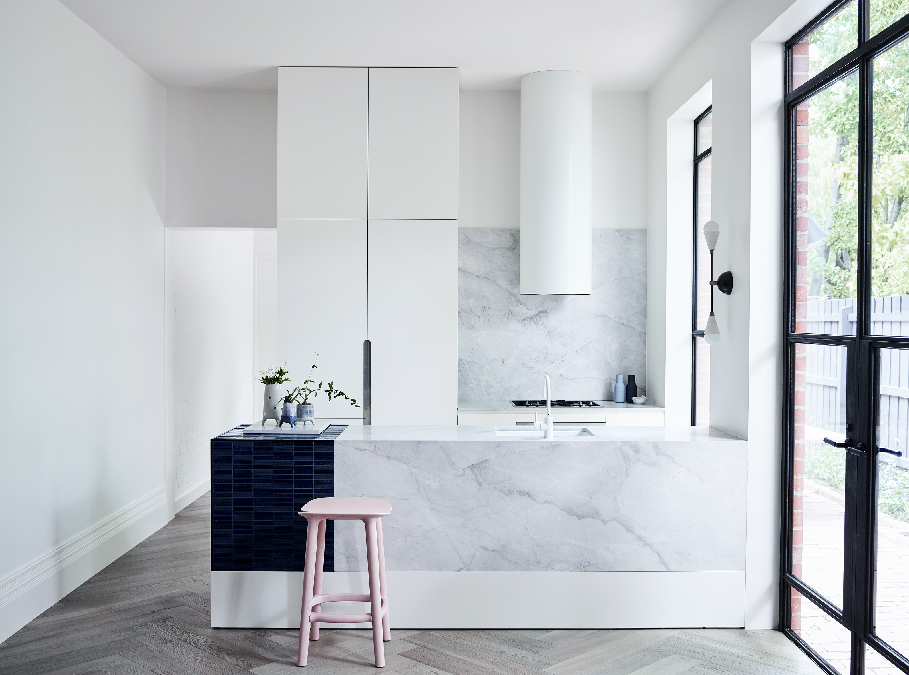 Benchtop Melbourne Choosing The Best Kitchen Benchtop Material Caesarstone Natural