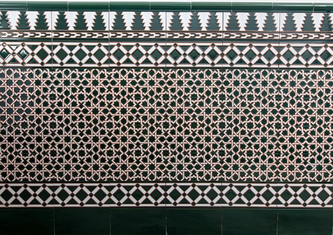 Z calo de azulejos mud jar artesanos juntos for Azulejos para entradas