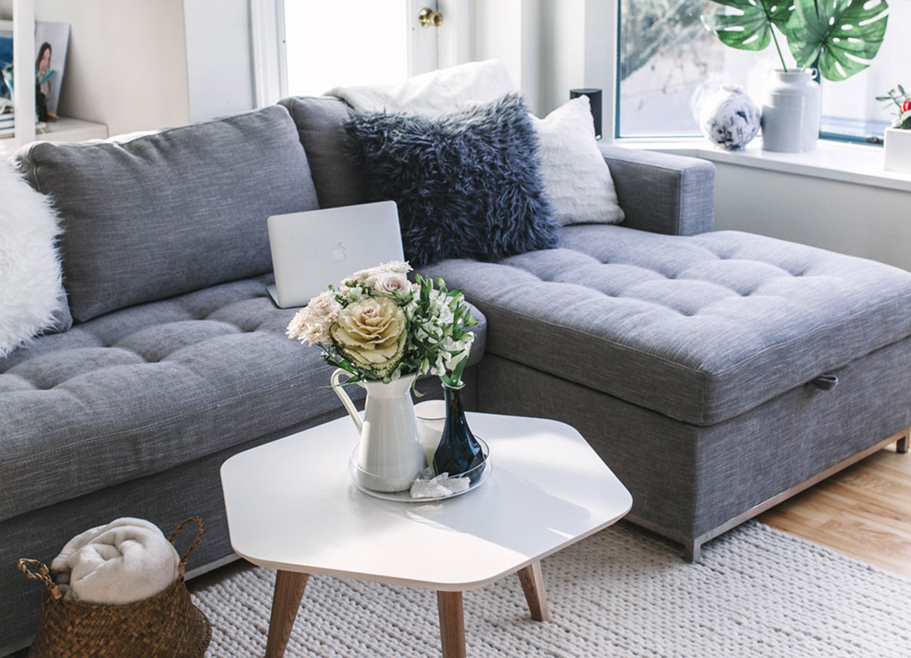 Focus On Furniture Sofa Bed Sofa Bed For Small Spaces How To Host Your Friends In Your Tiny Home