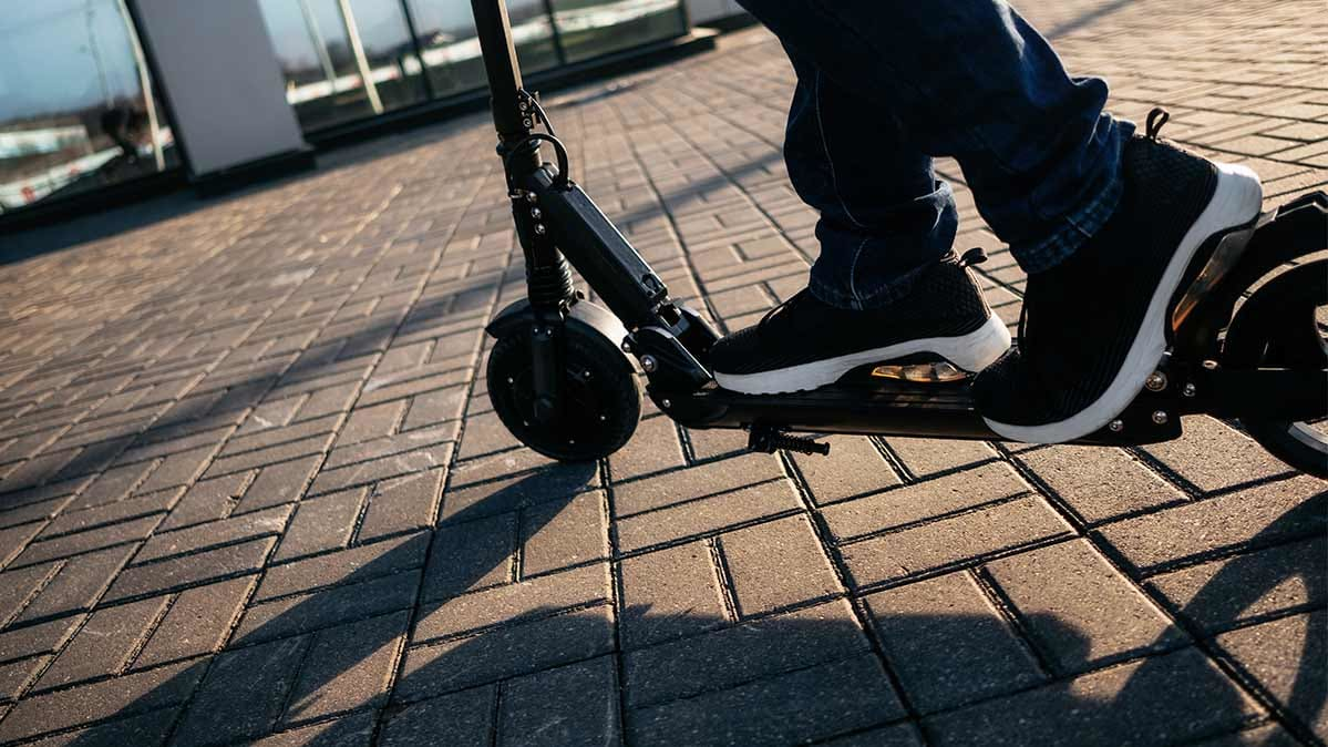 Best Knee Stroller E Scooter Ride Share Industry Leaves Injuries And Angered