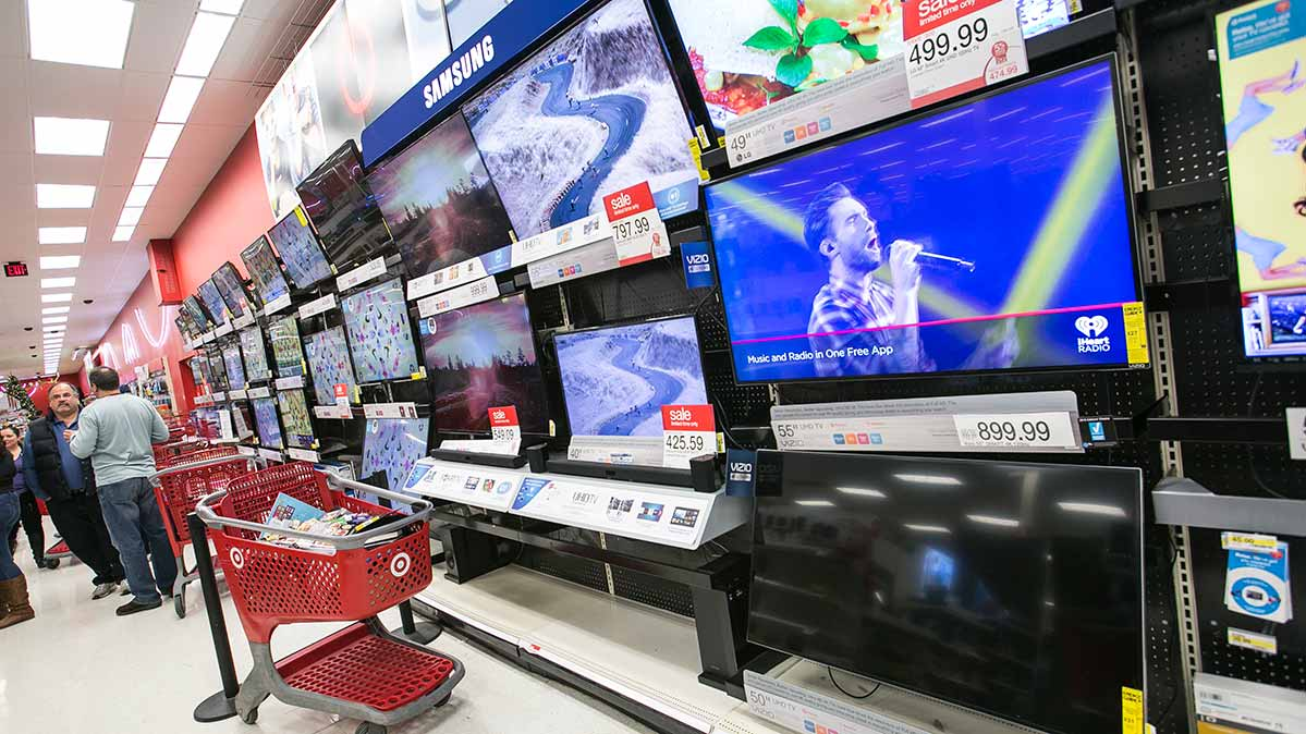 Buy A Tv Why It Doesn T Always Pay To Buy A Cheap Tv Consumer Reports