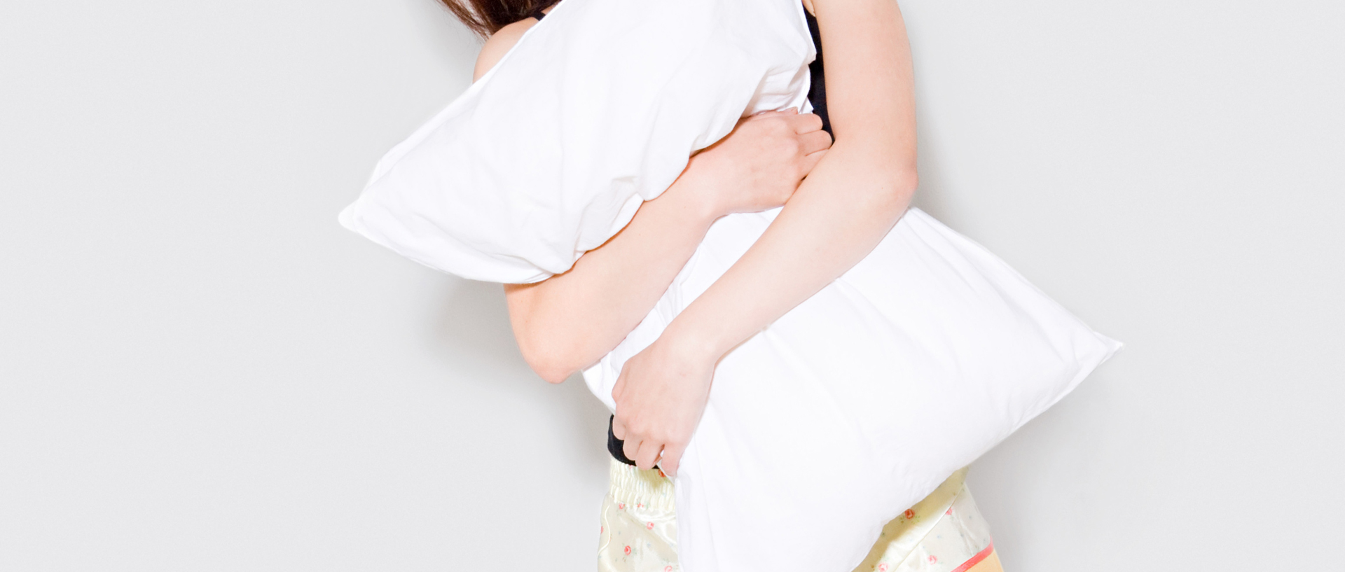 Best Pillow For Sleeping On Your Back The Best Pillow For The Way You Sleep Consumer Reports