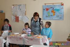 Наставник и ученки