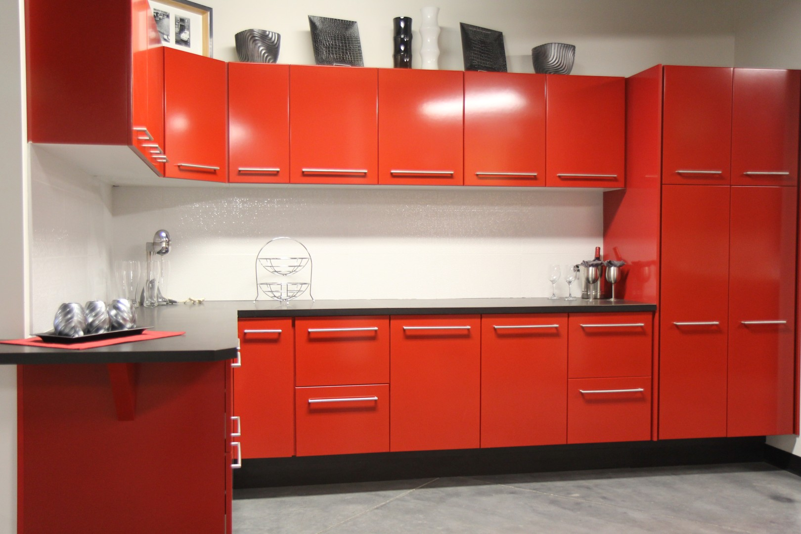 How To Choose The Right Stylish Red Kitchen Cabinets For Any Styles Of The Kitchen You Want To Build Artmakehome