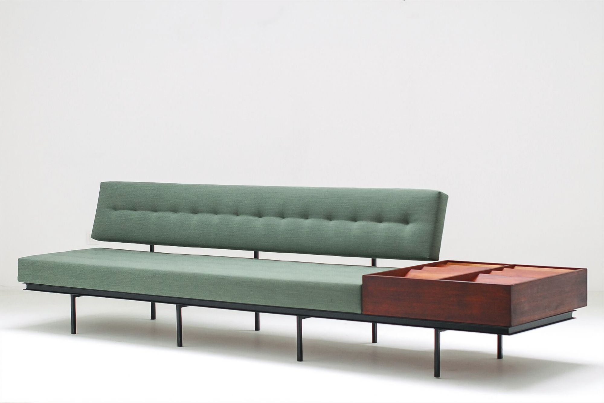 Florence Knoll Sessel 1954 Florence Knoll Sofa With Integrated Magazine Cabinet