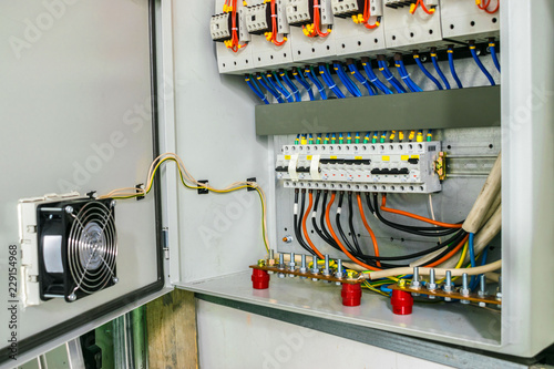 Electric power circuit breakers are in the fuse box The wires with