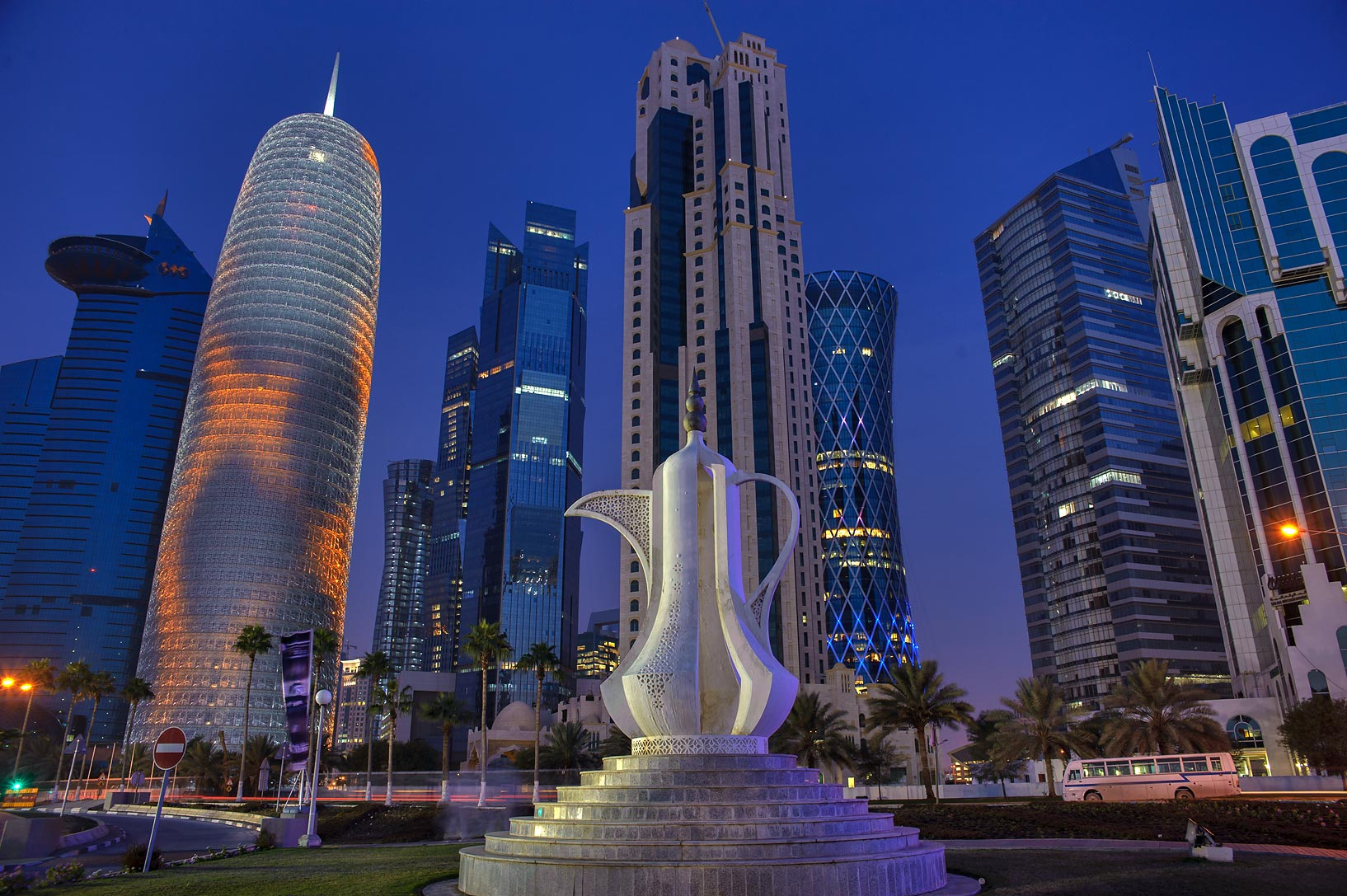Sculpture Hd Wallpapers Qatar Monument Search In Pictures