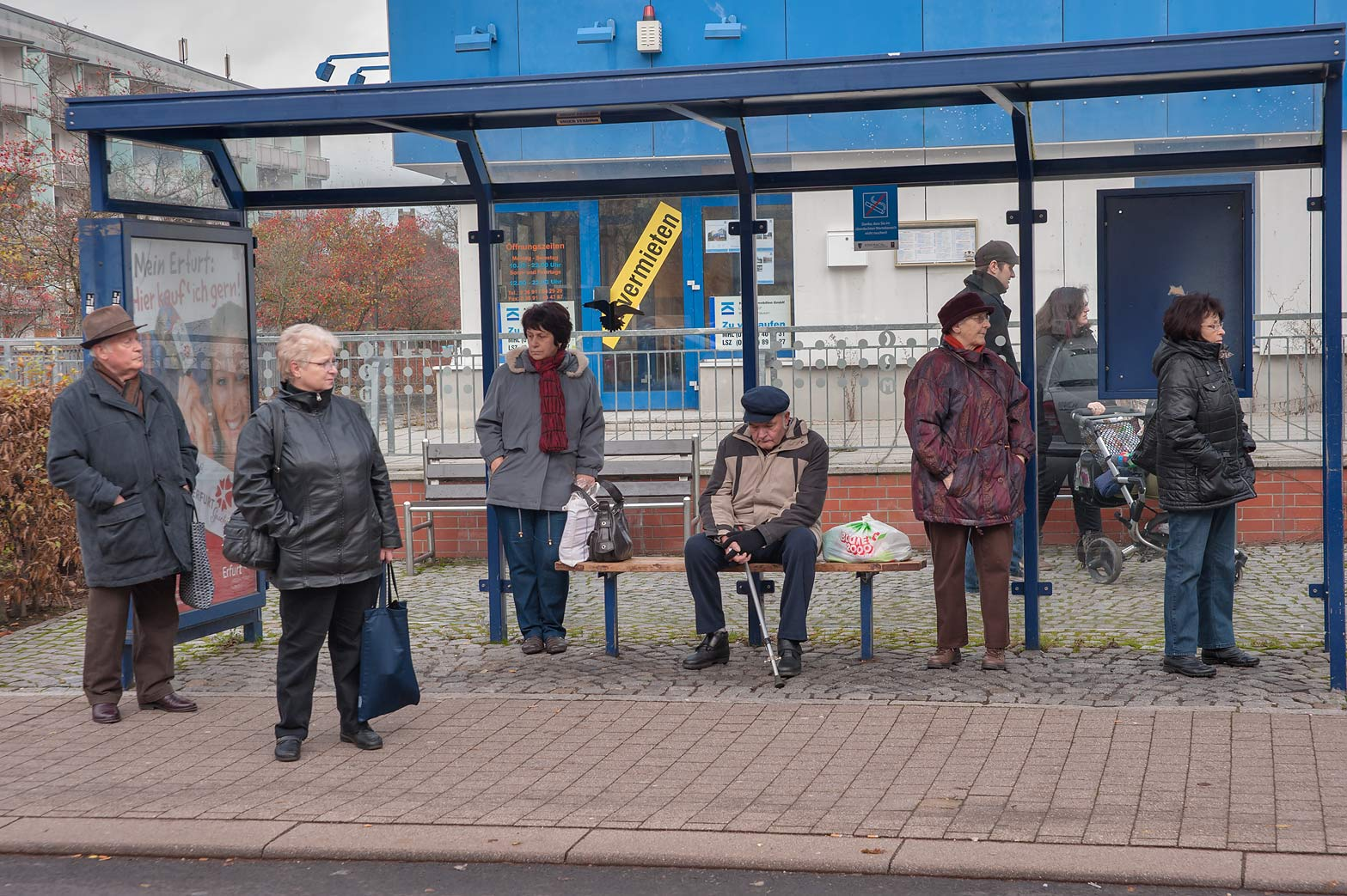 Bus Erfurt Slideshow 1313 20 Passengers Waiting On A Bus Stop Eisenach