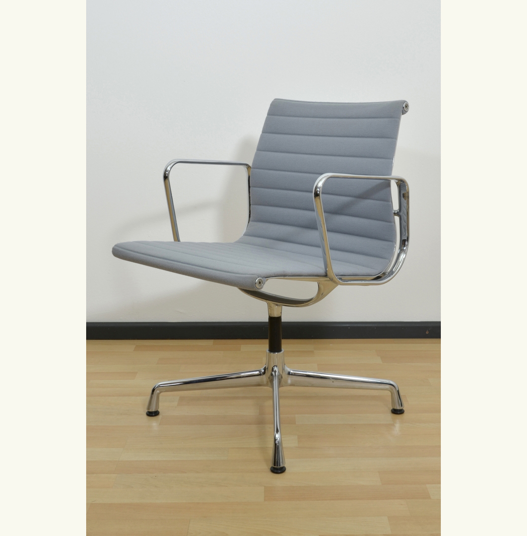 Eames 108 Want Eames 108 Aluminum Office Chair Ashley Bowes