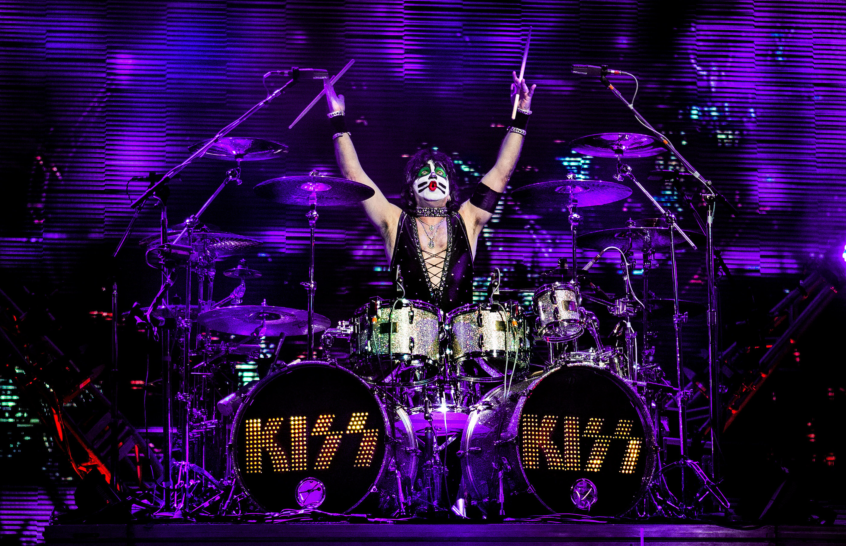 Black And White Wallpaper Pictures Eric Singer Kiss Charlotte 2014 Ash Newell