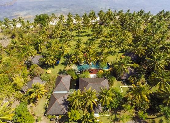 01-The Anandita - Villa grounds and ocean