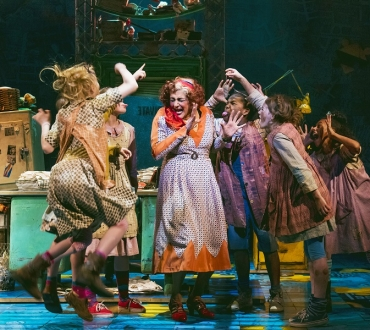 'Annie' (musical) – Meera Syal almost steals show in family entertainer (review)