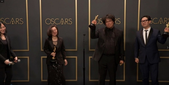 Oscars 2020: History is made with 'Parasite' – first foreign language film to win best picture and collect four in all – director Bong Joon Ho on 'beauty of cinema' and his next 'filim' (T videos); Mindy Kaling, Utkarsh Ambudkar and Lilly Singh…