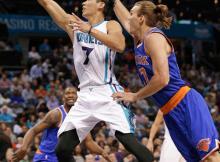Jeremy Lin, Lou Amundson
