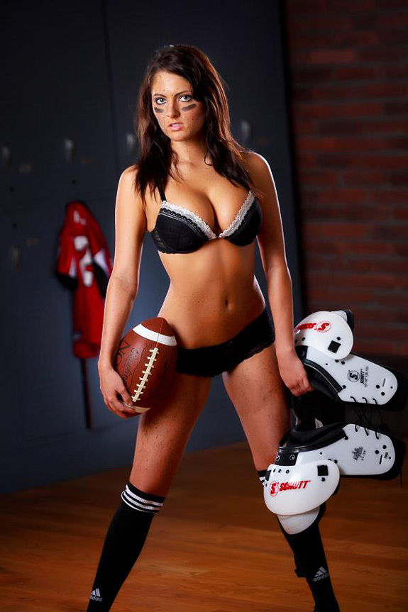 sexy-football-fans-10