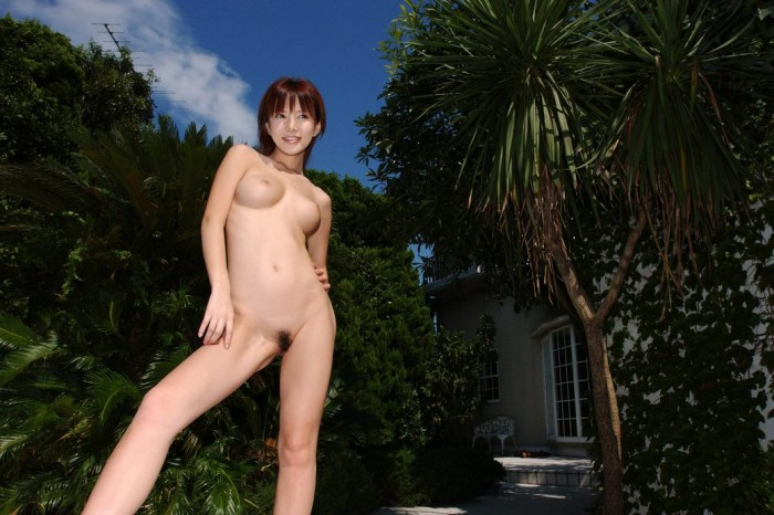 Great japanese chick with nice body in luxury home