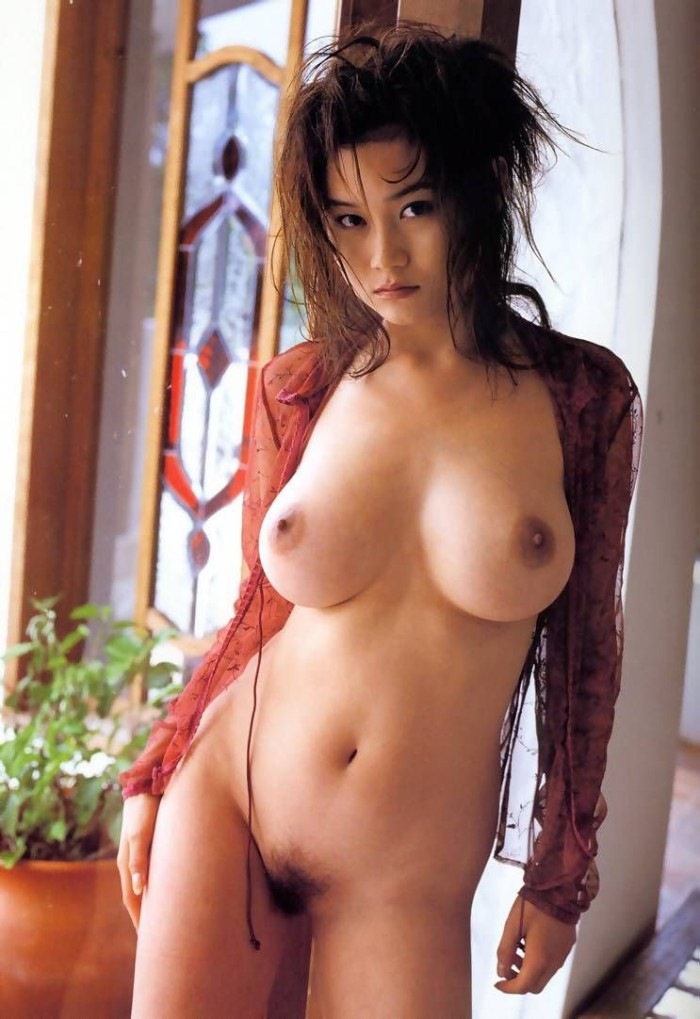 Very beautiful asian babe with amazing boobs
