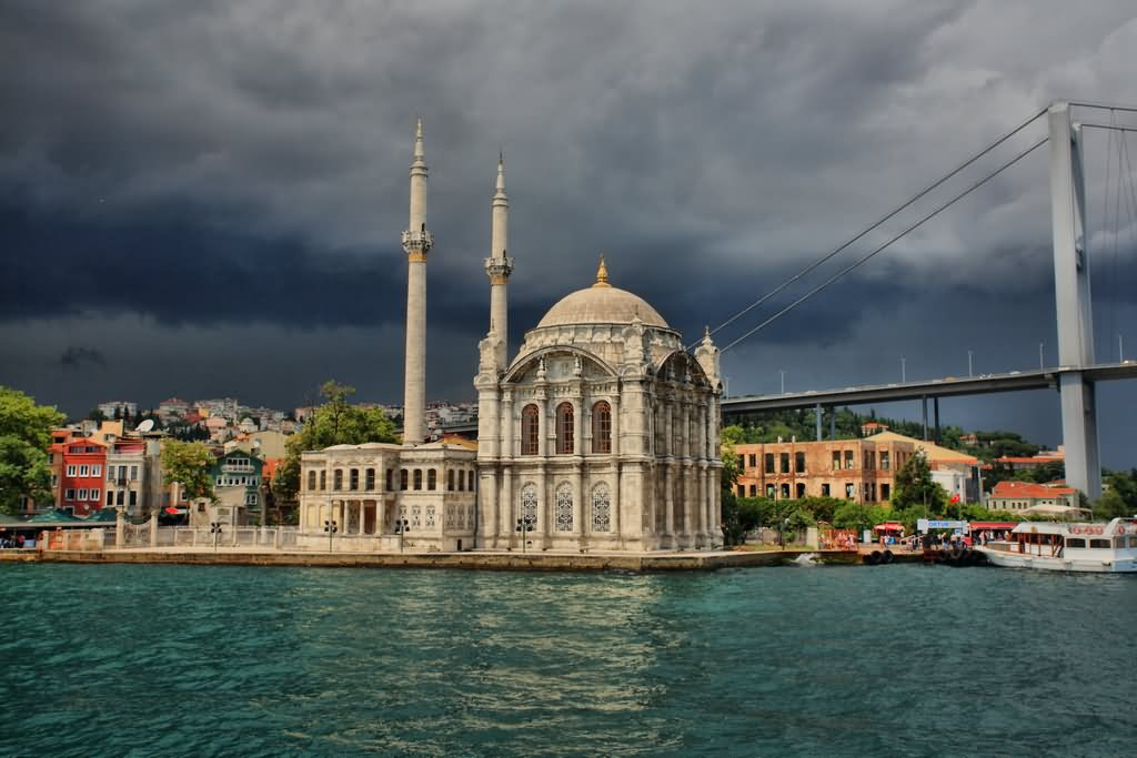 Lit Sultan 40 Incredible Pictures And Photos Of The Ortakoy Mosque In