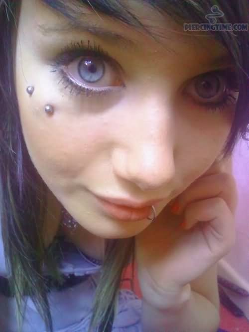 Labret Piercing 25+ Nice Butterfly Kiss Piercing Pictures For Girls