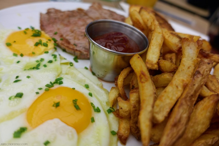 Steak and Eggs at New York Sandwiches