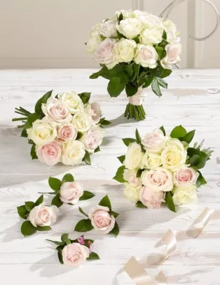 the stunning features of wedding flower bouquets wedding flower bouquets One of the important elements for a classic wedding is a wedding flowers bouquet