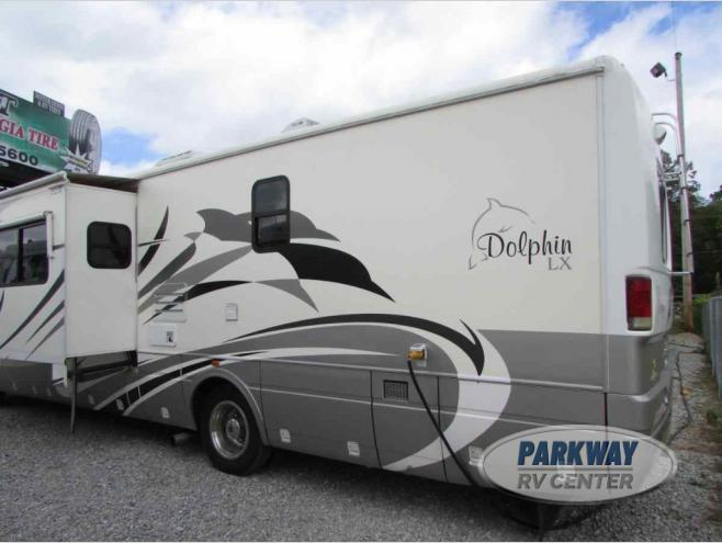 Used 2005 National RV Dolphin LX 6375 Motor Home Class A at Parkway