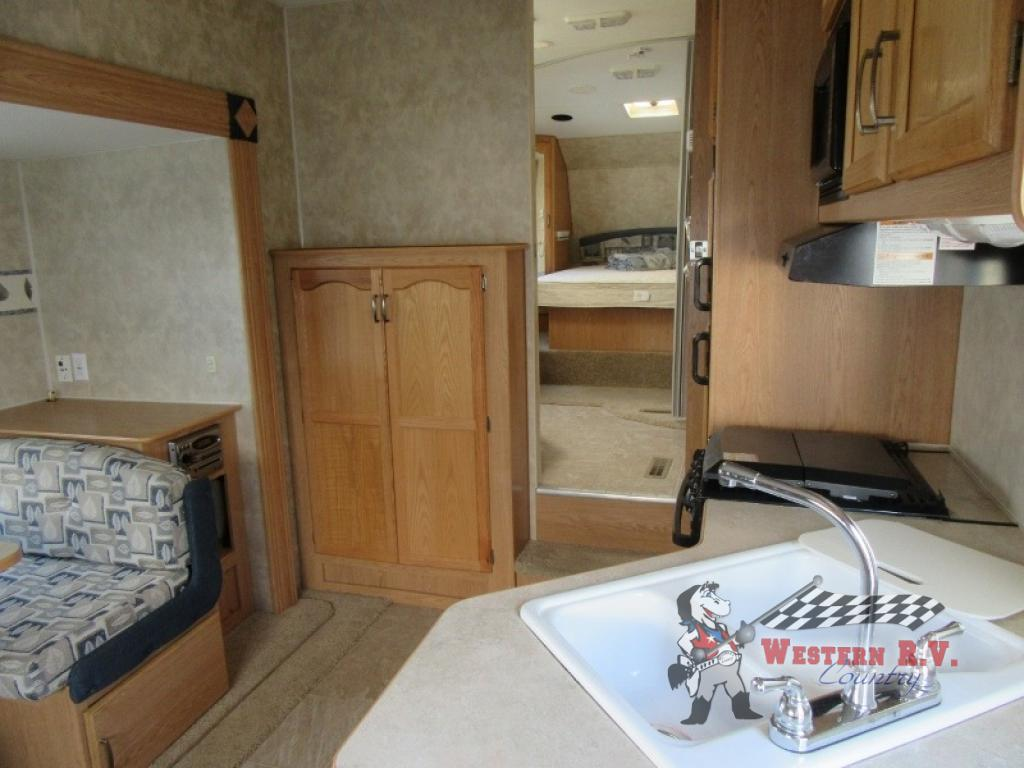 Used Kitchen Cabinets Red Deer Used 2007 Fleetwood Rv Wilderness 245 Rls Fifth Wheel At Western