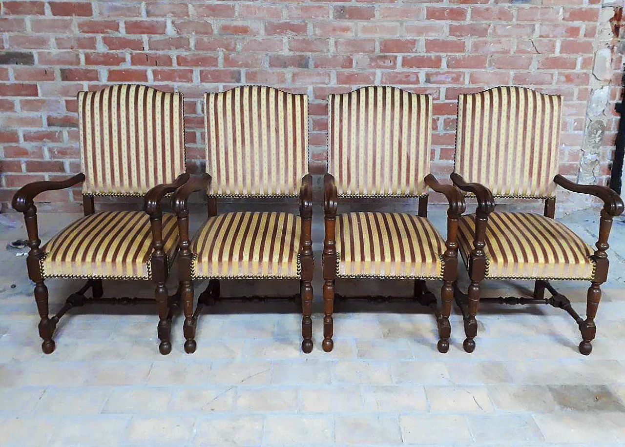 Fauteuils Louis 13 Set Of Four French Louis Xiii Style Fauteuils Vintage Throne Armchairs