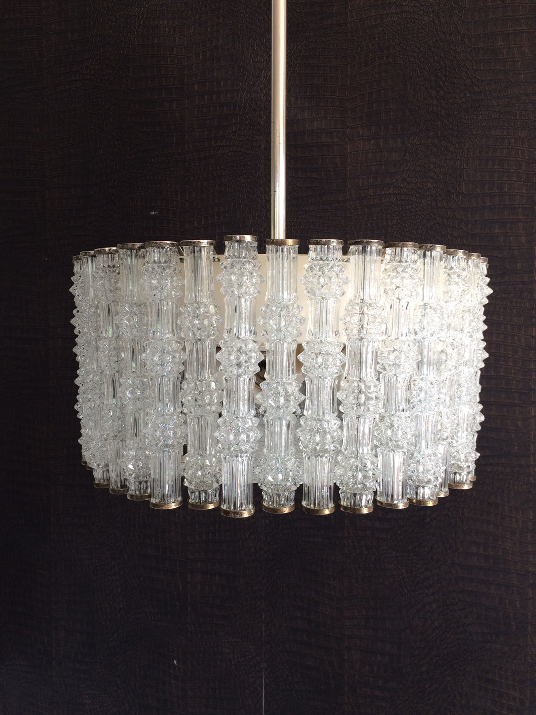 Leuchten Kaiser Https://www.vinterior.co/lighting/ceiling-lights/pendants/1950-s-kaiser-leuchten-design-primat-ice-texture-crystal-drum-chandelier-ceiling-lamp