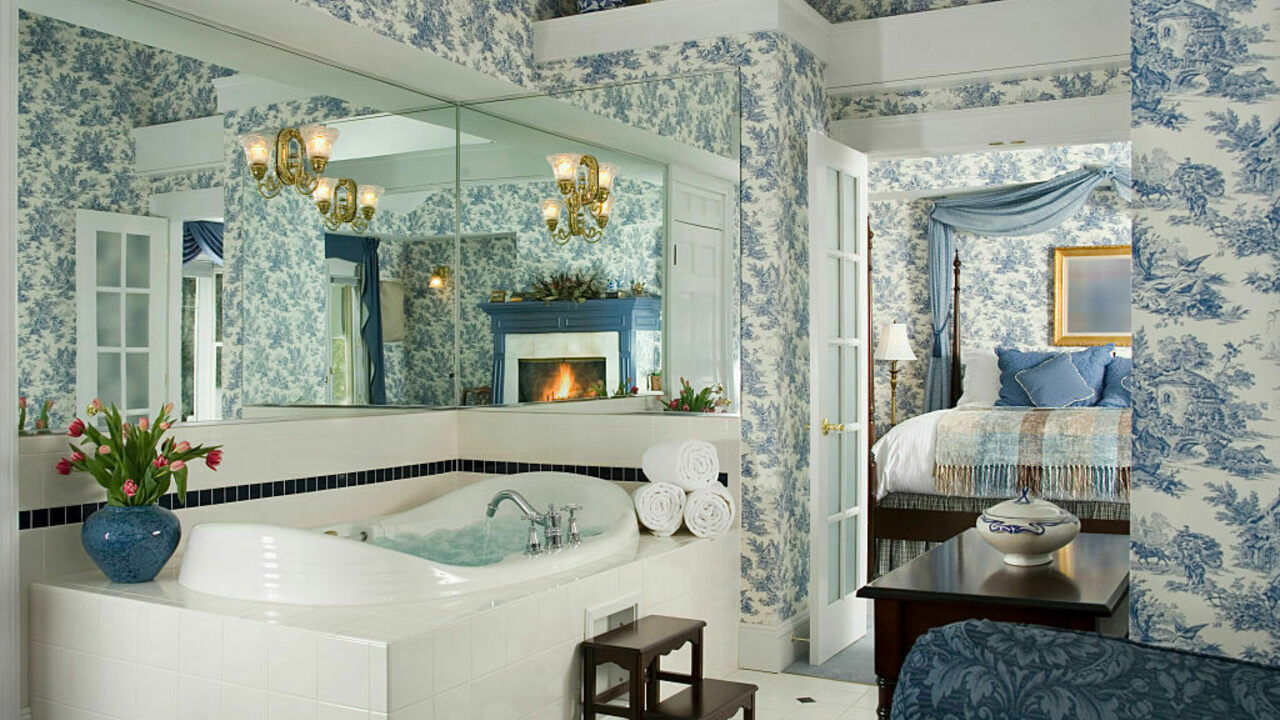 The Rise Of The Luxurious Suburban Master Bathroom Atlas Obscura