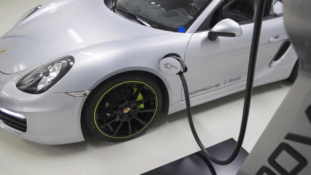 Why Most Electric Cars Are Leased, Not Owned - Bloomberg