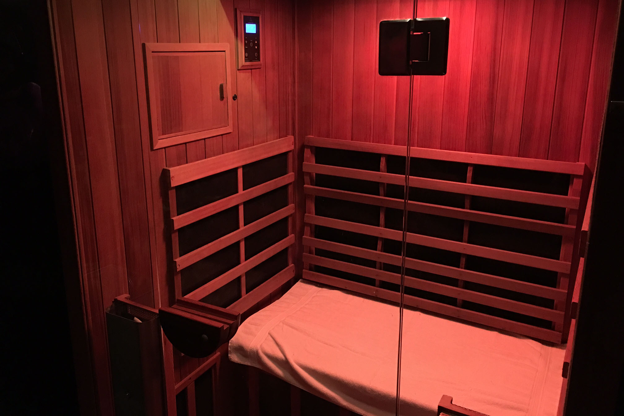 Sauna Bauer What You Need To Know About So Hot Right Now Infrared Spa Therapy