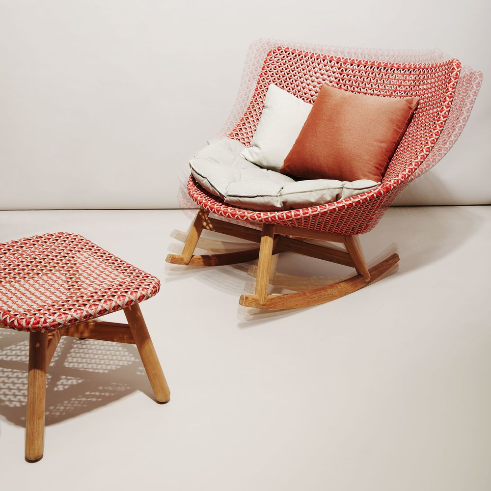 Dedon Mbrace Dedon Mbrace Chair Summer Furniture That Rocks Bloomberg