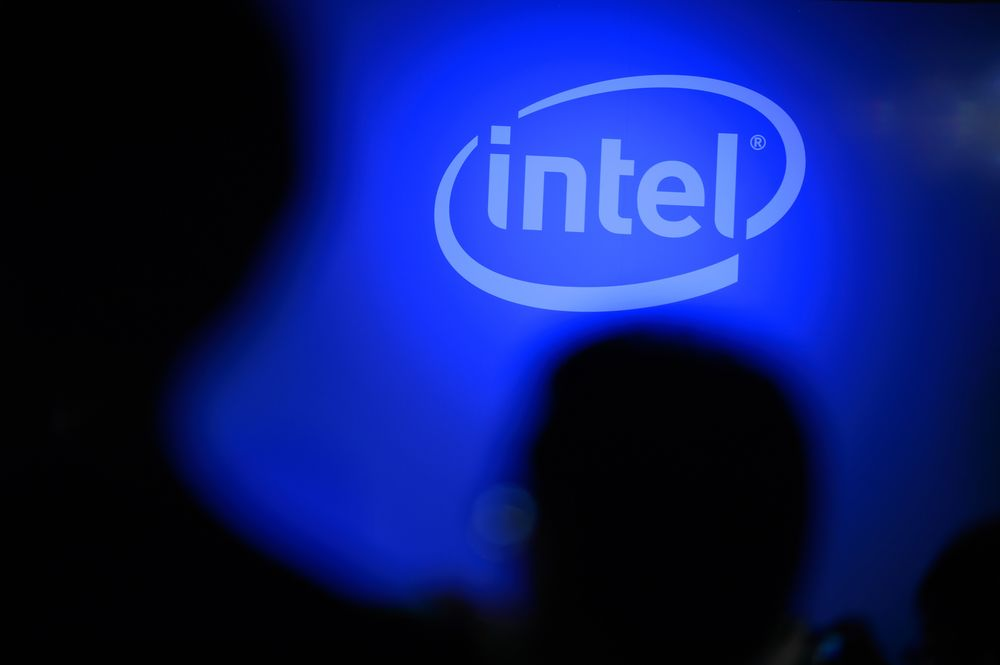 Intel Stock Falls on Report of New Chip Security Vulnerability