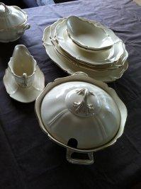 Wedgwood  Queens plain-dinnerware 50 pieces - Catawiki