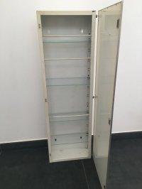 Antique metal medicine cabinet with mirror - Catawiki