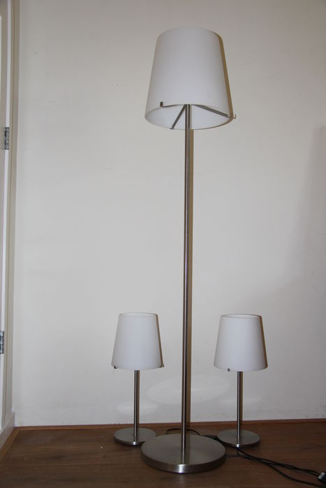 Lampenserie Unknown Designer For Fontana Arte - 2 Table Lamps And 1