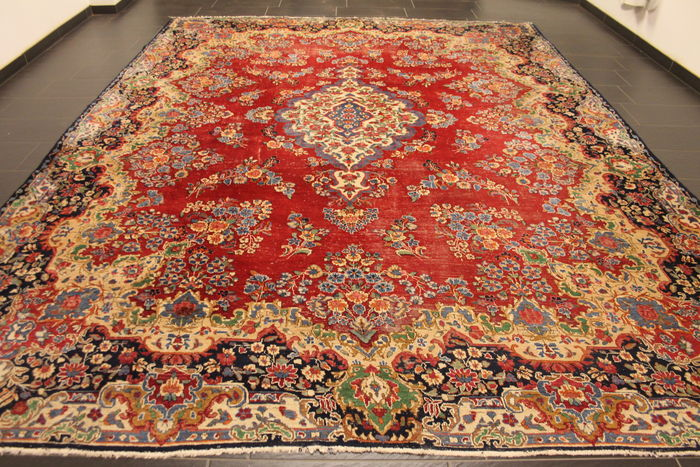 Exclusive Hand Knotted Persian Palace Carpet Antique