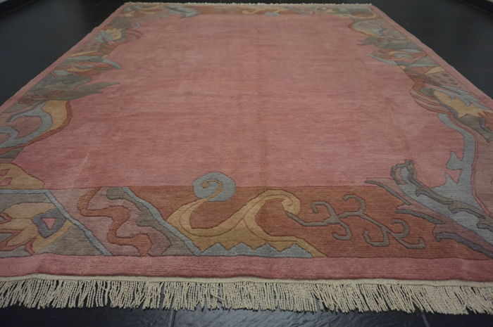 Beautiful Hand Knotted Oriental Carpet Nepal Designer