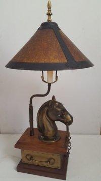 Antique heavy brass horse head lamp on mahogany box - Catawiki
