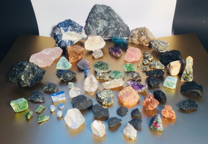 Various types of Mineral Collection - 5100 g - (64) - Catawiki