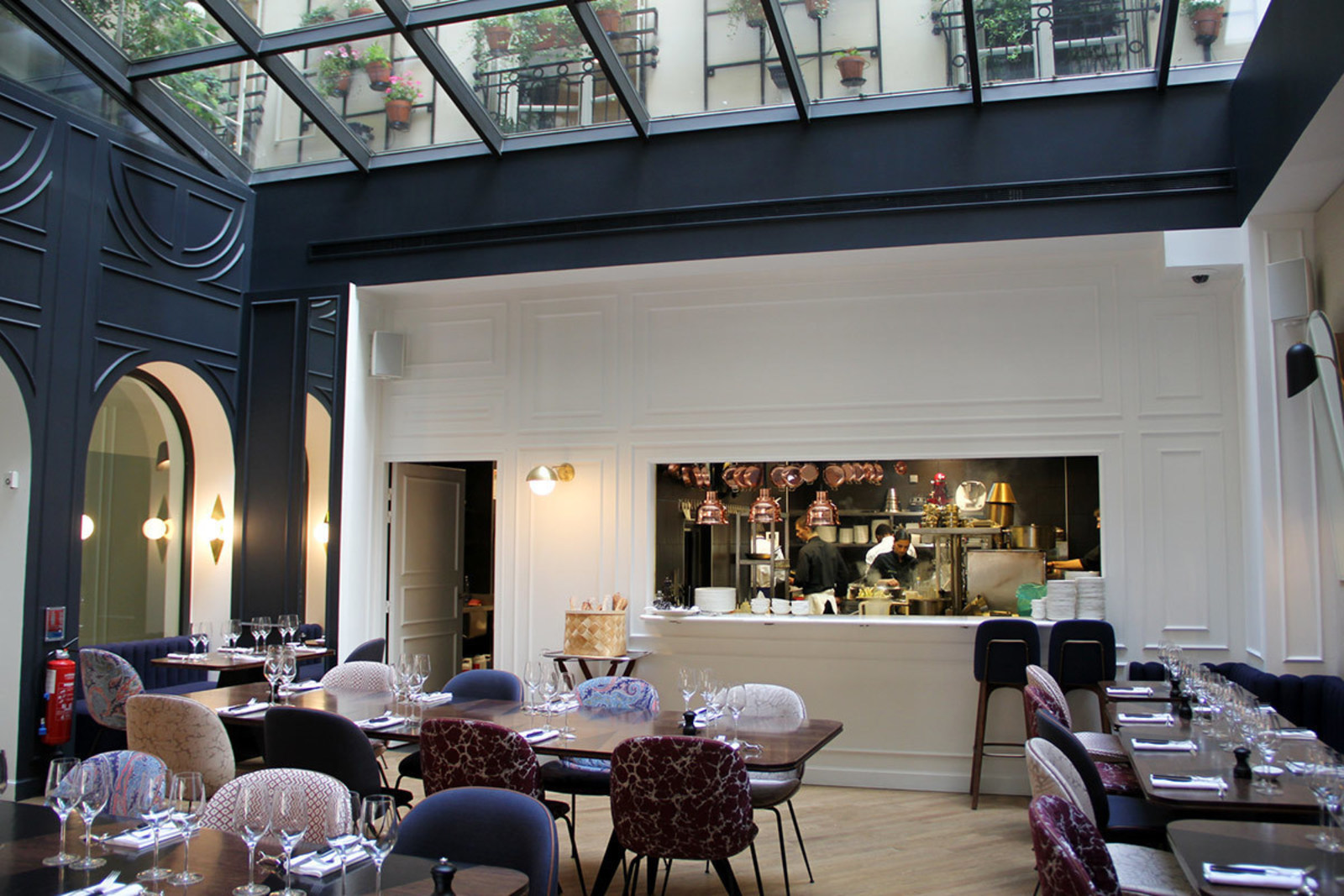 Restaurant Deco Hotel Bachaumont Opens In Paris Cool Hunting