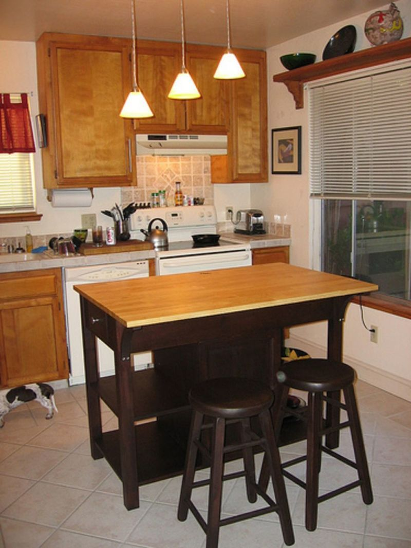Small Kitchen Island Images And Small Kitchen Island With Seating Design / Design