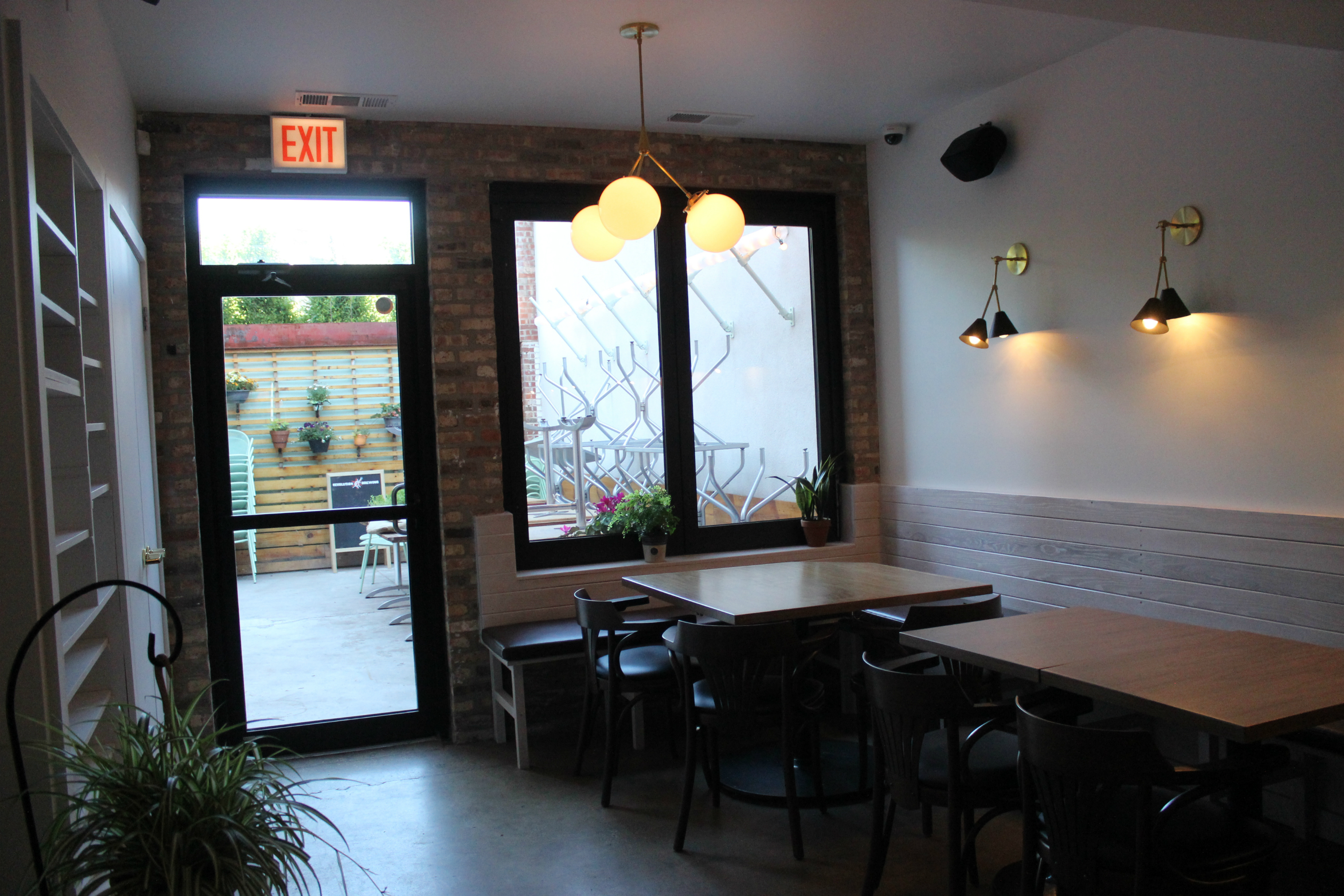 Restaurant Farmhouse Chicago Peek Inside Logan 39s New Farm To Table Eatery Daisies